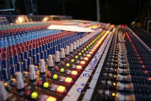 yamaha-monitor-mixing-board-407780-m
